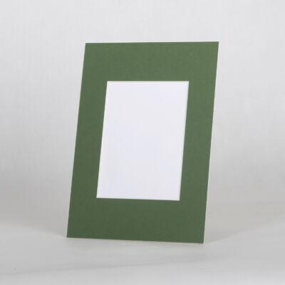 19 méretben - Zöld paszpartu
